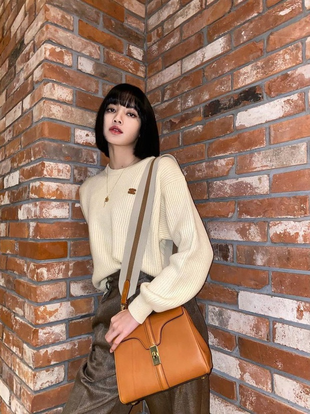 Đáng sắm nhất lúc này là áo len trắng vì có 10 cách diện trang nhã đẹp mê, nàng nào cũng áp dụng được - Ảnh 4.