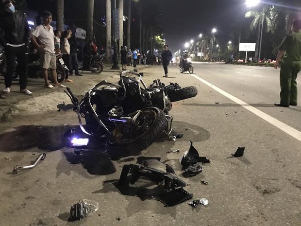 Xe phân khối lớn chạy tốc độ kinh hoàng đâm vào xe máy khiến 3 người thương vong - Ảnh 7.