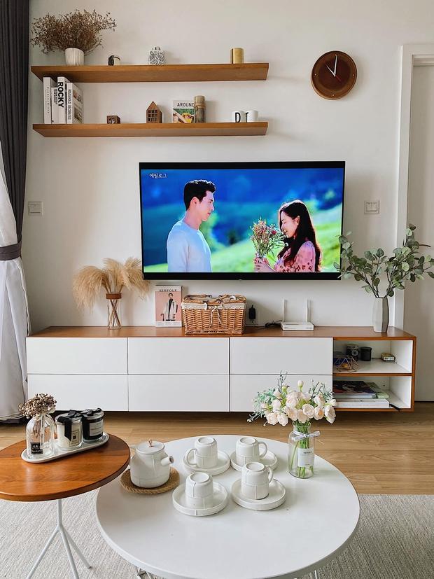 Cặp vợ chồng trẻ đi khắp Hà Nội tìm đồ decor cho căn hộ Vinhomes, nhìn cực sáng và sang - Ảnh 2.