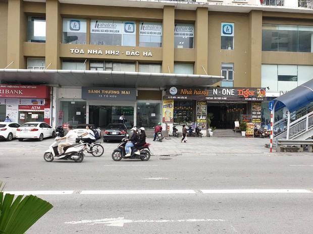 """Hà Nội: Sau va chạm giao thông, người đàn ông vô cớ bị người lạ đánh """"hội đồng"""" gãy xương sườn, đa chấn thương - Ảnh 2."""