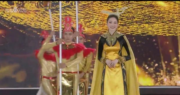 Đặng Thu Thảo bùng nổ trên sân khấu HHVN 2020: Lần đầu dự sự kiện sau khi lấy chồng, ảnh livestream và cam thường xuất sắc - Ảnh 4.