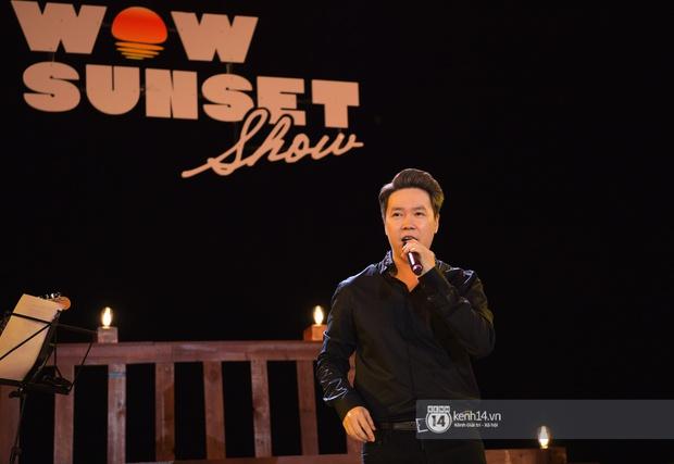 Những khoảnh khắc đẹp nhất tại WOW Sunset Show: Lê Hiếu chilling cùng khán giả, Nguyên Hà diễn live album trước biển hoàng hôn - Ảnh 19.