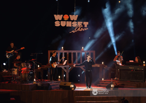 Những khoảnh khắc đẹp nhất tại WOW Sunset Show: Lê Hiếu chilling cùng khán giả, Nguyên Hà diễn live album trước biển hoàng hôn - Ảnh 20.