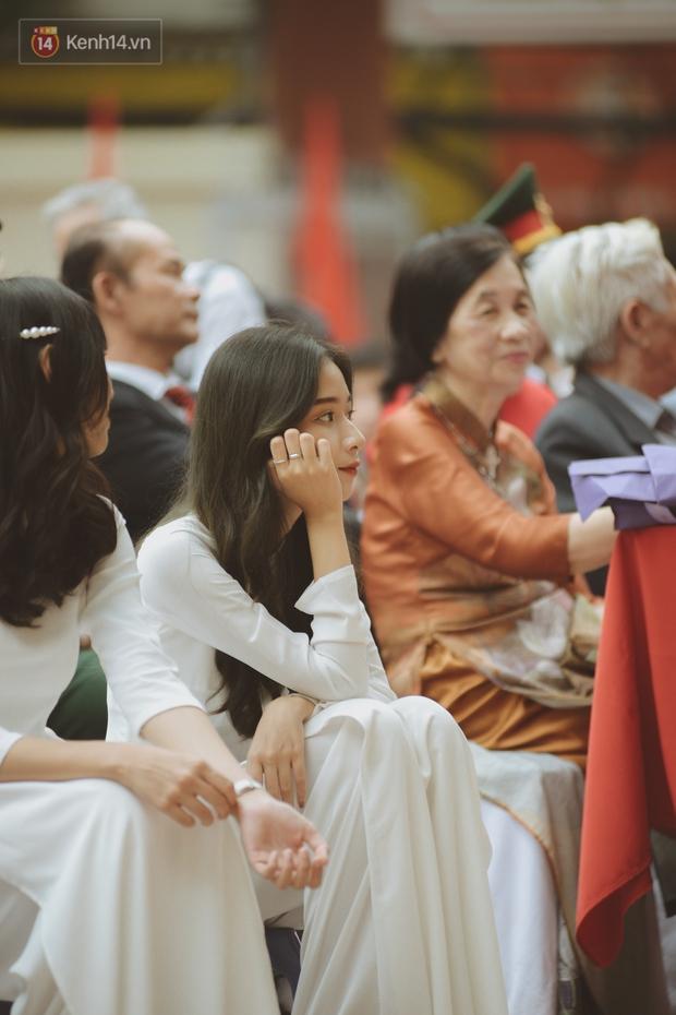 Hội trai xinh gái đẹp chiếm spotlight ngày 20/11, chụp lén vài tấm cũng xinh! - Ảnh 1.