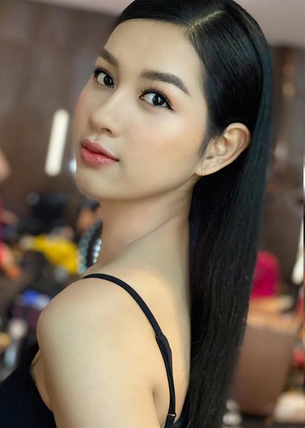 Thí sinh lật mặt nhanh nhất Chung kết Hoa hậu Việt Nam 2020: Vừa nở nụ cười công nghiệp đã quay ngoắt 180 độ? - Ảnh 3.