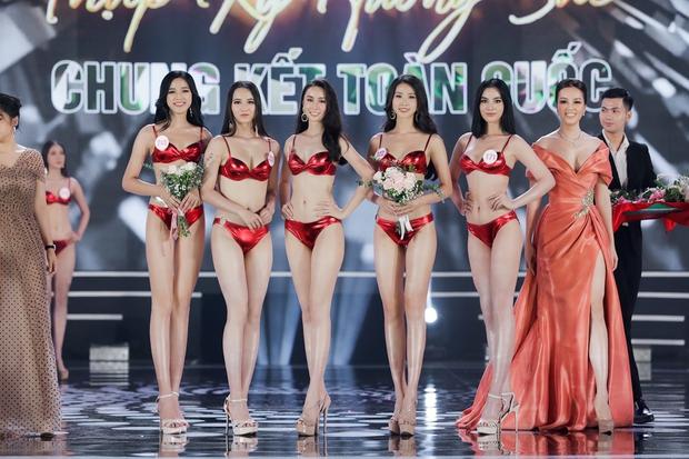 Bỏng mắt ngắm Top 22 Hoa hậu Việt Nam trình diễn bikini: Body đỉnh cao, bạn gái Đoàn Văn Hậu sáng bừng khung hình - Ảnh 10.