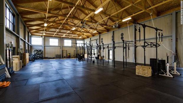 Người đàn ông khiến phòng gym hoảng loạn khi làm 50 người có nguy cơ nhiễm Covid-19 nhưng cuối cùng chẳng ai bị: Điều kỳ diệu gì vậy? - Ảnh 1.