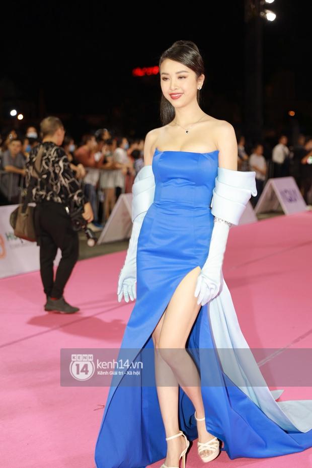 Bạt ngàn váy xấu, makeup dở trên thảm đỏ HHVN 2020, lâu không dự event lớn nên người đẹp Việt quên hết kĩ năng rồi? - Ảnh 3.
