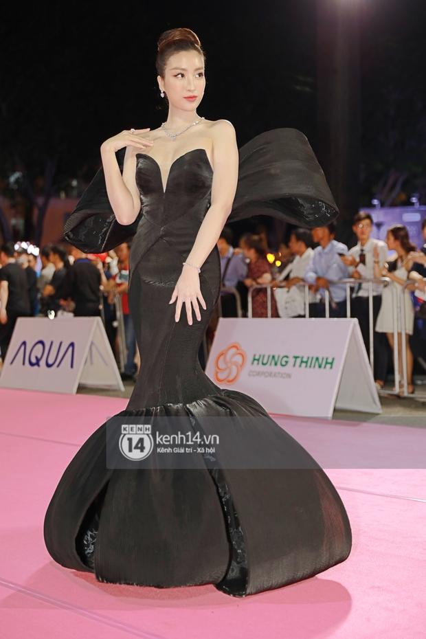 Bạt ngàn váy xấu, makeup dở trên thảm đỏ HHVN 2020, lâu không dự event lớn nên người đẹp Việt quên hết kĩ năng rồi? - Ảnh 5.