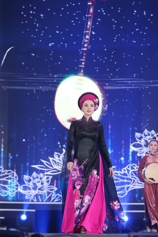 Bức ảnh hot nhất đêm qua: 5 Hoa hậu của thập kỷ hội tụ chung khung hình, thần tiên tỷ tỷ Đặng Thu Thảo lu mờ cả dàn mỹ nhân - Ảnh 5.