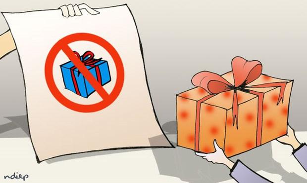 Mua chiếc ví làm quà tặng ngày 20/11 nhưng bị cô giáo trả lại, câu chuyện đang trở thành chủ đề tranh cãi gay gắt của hội phụ huynh - Ảnh 2.