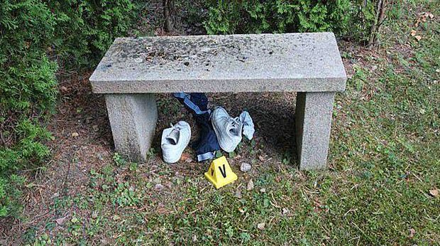 Chấn động: 2 cậu bé đi đêm bị nhóm người lôi vào nghĩa trang, lột sạch quần áo rồi cưỡng hiếp và chôn sống, hiện trường vụ việc đầy ám ảnh - Ảnh 4.