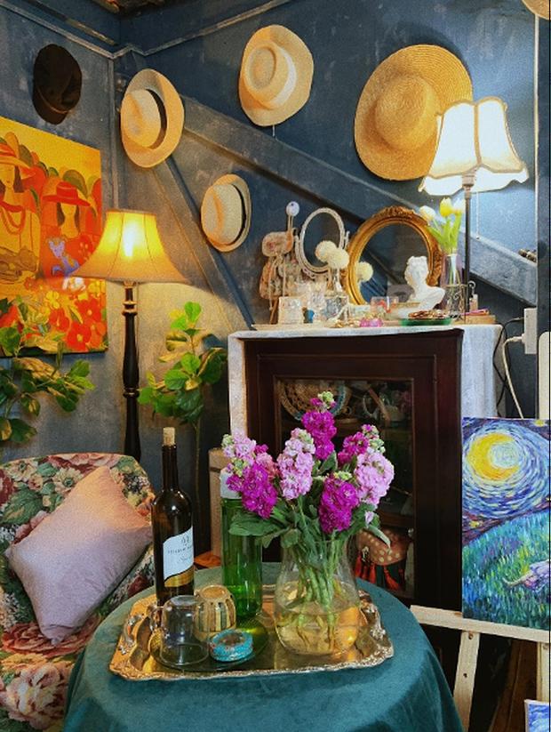 Lạc vào thế giới nghệ thuật với căn phòng DreamRoom của cô gái Đà Lạt: Nhìn thì màu mè nhưng lại chất phết - Ảnh 8.