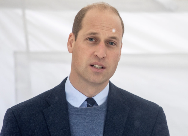 Trong khi anh trai William cố hết sức bảo vệ công lý cho người mẹ quá cố, động thái trái ngược và khó hiểu của Harry gây xôn xao dư luận - Ảnh 2.