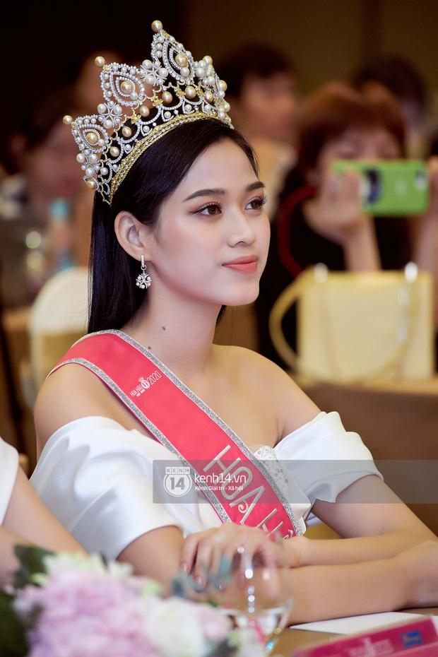 Bộ ảnh đọ sắc nét căng đầu tiên của Top 3 Hoa hậu Việt Nam 2020: Tân Hoa hậu Đỗ Thị Hà bất ngờ bị Á hậu 2 Ngọc Thảo giật spotlight! - Ảnh 6.