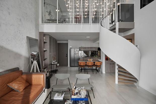 Thăm căn hộ duplex sang xịn mịn ở Quận 7 của nhà thiết kế nội thất với hơn 10 năm kinh nghiệm - Ảnh 1.