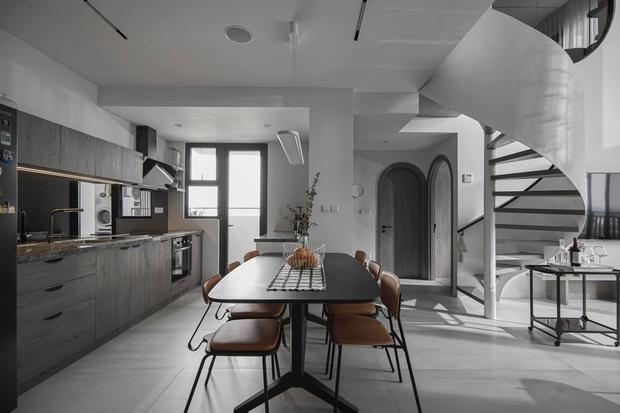Thăm căn hộ duplex sang xịn mịn ở Quận 7 của nhà thiết kế nội thất với hơn 10 năm kinh nghiệm - Ảnh 7.