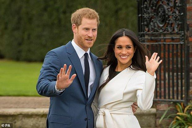 Hoàng gia Anh gây xôn xao khi có động thái ngay trong đêm nhằm dứt khoát loại bỏ vợ chồng Meghan Markle ra khỏi gia tộc? - Ảnh 1.