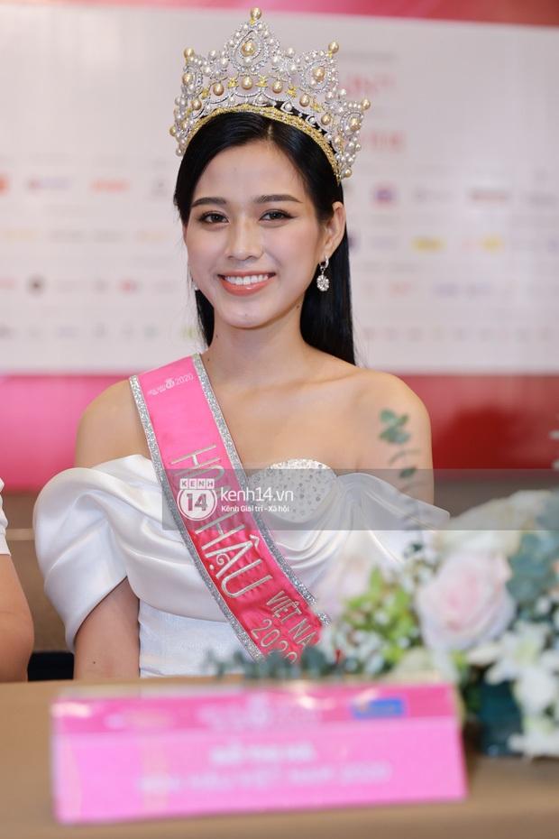 Bị đào lại phát ngôn nói tục trên Facebook, Hoa hậu Đỗ Thị Hà vui vẻ trả lời: Em không phải là gu của nhiều người - Ảnh 2.