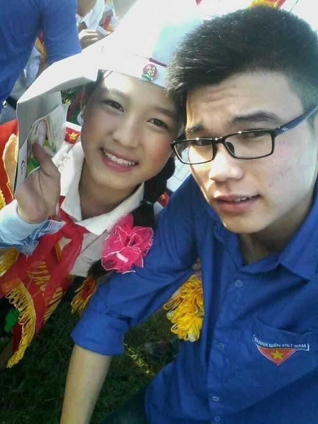Hành trình nhan sắc thay đổi chóng mặt của Hoa hậu Đỗ Thị Hà từ cấp 1 cho đến lúc lên Đại học - Ảnh 1.