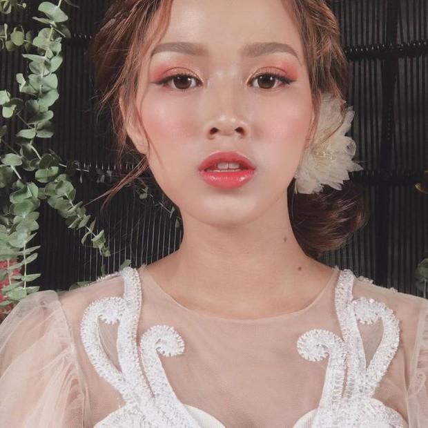 Lộ ảnh cưới của tân Hoa hậu Việt Nam Đỗ Thị Hà trước khi đăng quang, tạo dáng tình tứ bên trai lạ? - Ảnh 6.