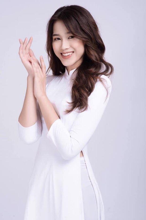 Hoa hậu Đỗ Hà xin nghỉ học tạm thời để đi thi, là thành viên CLB đẹp nhất NEU - Ảnh 1.