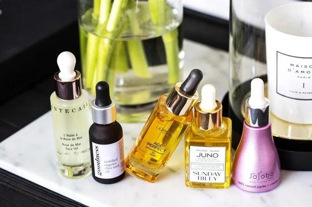 Để da căng mướt gấp 10 lần bình thường, phụ nữ Nhật có thêm chiêu chườm dầu chuyên được dùng trong mùa lạnh - Ảnh 1.