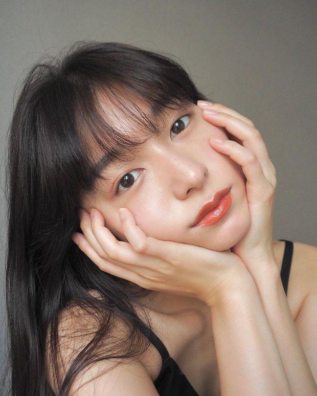 Để da căng mướt gấp 10 lần bình thường, phụ nữ Nhật có thêm chiêu chườm dầu chuyên được dùng trong mùa lạnh - Ảnh 2.