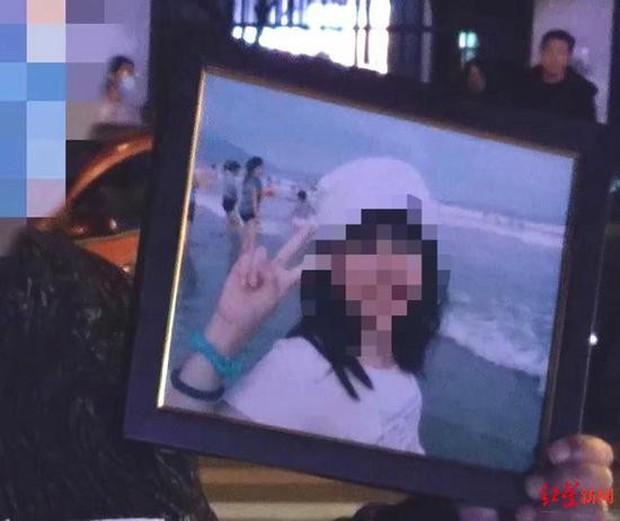 Nữ sinh 18 tuổi tự sát lúc rạng sáng, để lại lá thư tuyệt mệnh vạch trần những lời nói và hành vi cực đoan của giáo viên - Ảnh 1.