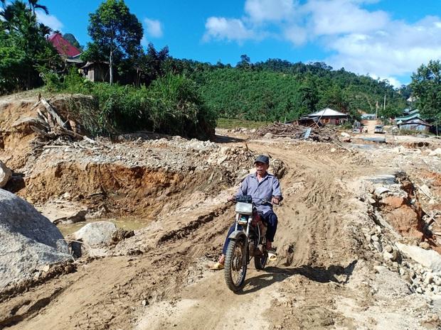 CLIP: Kinh hoàng cảnh tượng tan hoang tại Phước Thành sau 3 tuần cô lập  - Ảnh 13.