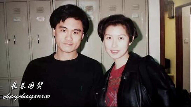 Fan nam số đỏ nhất Cbiz: Chụp cùng cả quân đoàn mỹ nhân đình đám Hong Kong, tiết lộ nhan sắc kinh diễm của dàn sao ngày ấy - Ảnh 18.