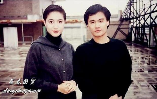 Fan nam số đỏ nhất Cbiz: Chụp cùng cả quân đoàn mỹ nhân đình đám Hong Kong, tiết lộ nhan sắc kinh diễm của dàn sao ngày ấy - Ảnh 5.