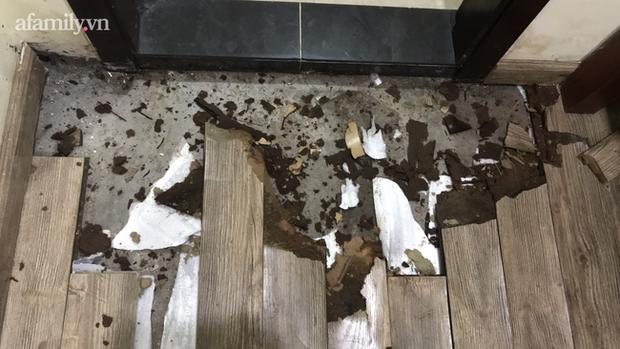 Hà Nội: Chung cư cao cấp 5 năm không được cấp sổ, tường nứt, nước ngấm làm mục sàn nhà, cư dân khốn khổ ở nhà mình mà như ở nhờ - Ảnh 6.