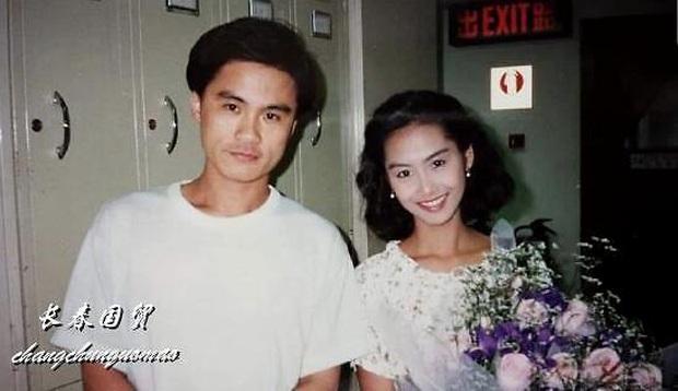 Fan nam số đỏ nhất Cbiz: Chụp cùng cả quân đoàn mỹ nhân đình đám Hong Kong, tiết lộ nhan sắc kinh diễm của dàn sao ngày ấy - Ảnh 10.