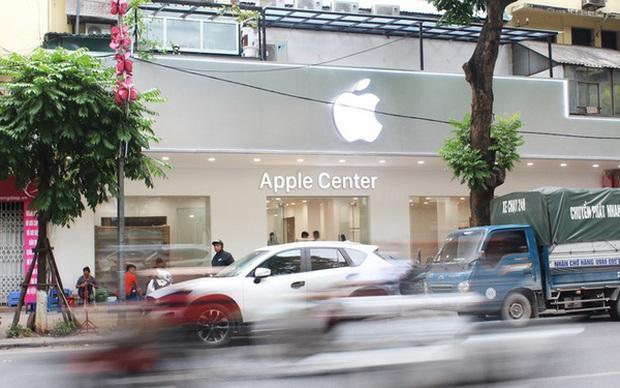 Chưa kịp khai trương, cửa hàng Apple Center đã buộc phải gỡ logo táo khuyết - Ảnh 1.