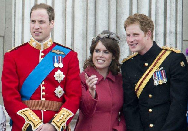 Hoàng gia Anh gây xôn xao khi có động thái ngay trong đêm nhằm dứt khoát loại bỏ vợ chồng Meghan Markle ra khỏi gia tộc? - Ảnh 4.