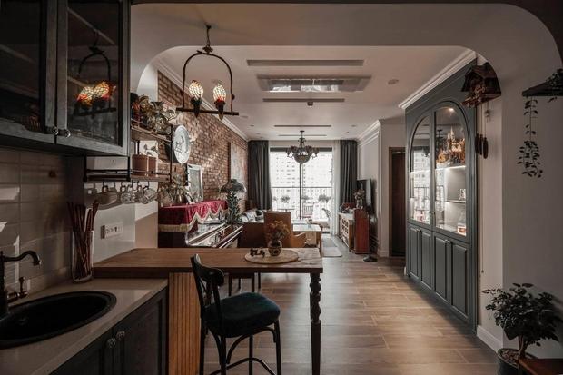 Đập thông hai căn chung cư, cặp vợ chồng có được ngôi nhà cực ưng ý, soi từng chi tiết lại càng ấn tượng - Ảnh 2.