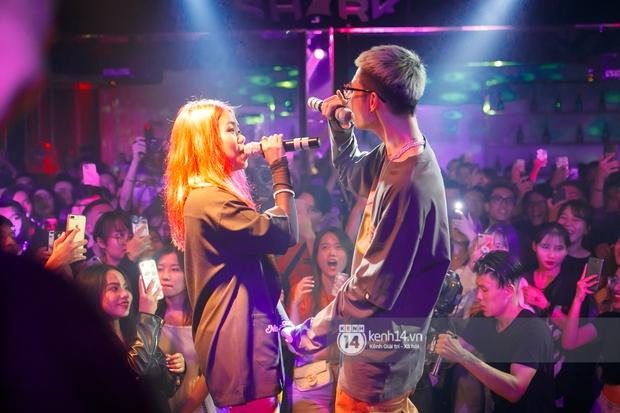 MCK - Tlinh rải cẩu lương từ hậu trường lên sân khấu, Gonzo bất ngờ xuất hiện để cổ vũ dàn thí sinh Rap Việt và King Of Rap - Ảnh 17.