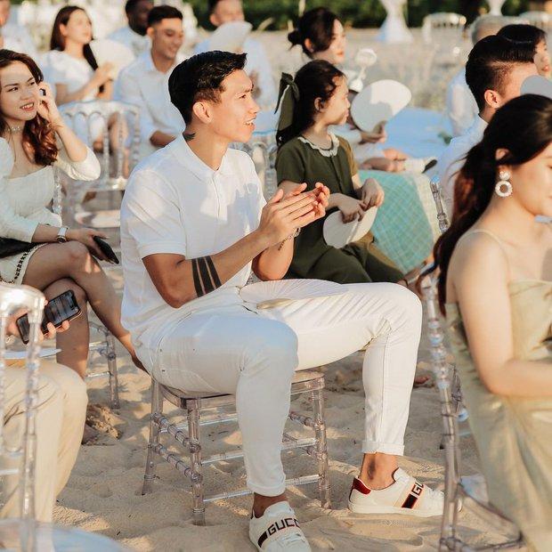 Giữa tin đồn hẹn hò Doãn Hải My, Văn Hậu đăng ảnh ở đám cưới Công Phượng, tiện khoe luôn visual đỉnh của chóp - Ảnh 3.