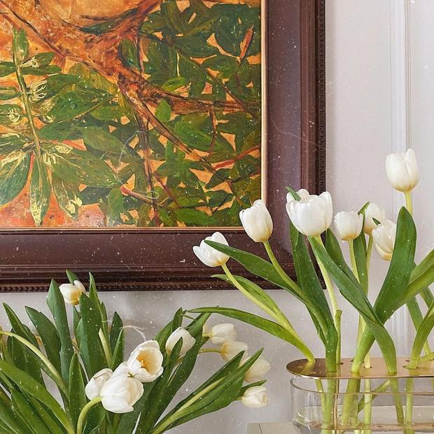 Bình cắm hoa nhà sao Việt vừa nghệ vừa sang, ngắm là muốn sắm theo ngay - Ảnh 1.