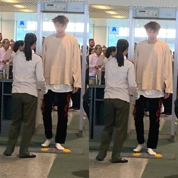 Cả Kbiz bỗng bé lại khi Lee Kwang Soo xuất hiện: Song Joong Ki, D.O. (EXO) bị dìm thê thảm, Park Bo Young đi guốc cả tấc vẫn... tí hon - Ảnh 11.