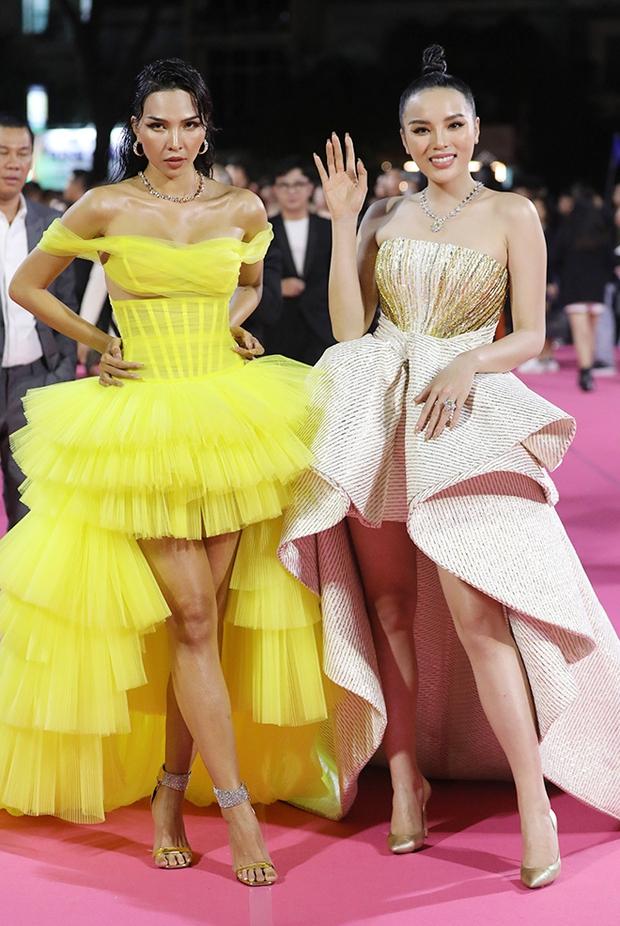 Kỳ Duyên hé lộ hậu trường thảm đỏ Chung kết Hoa hậu Việt Nam 2020, spotlight đổ dồn vào bộ trang sức trị giá 2 tỷ đồng - Ảnh 6.