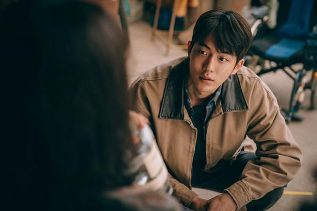 Hiếm lắm mới có tài tử Hàn để mặt mộc 100% lên phim: Dân tình sốc visual vì da căng mịn, mũi thẳng như cầu trượt - Ảnh 6.
