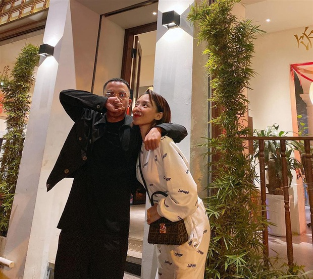 Tóc Tiên và Hoàng Touliver hiếm hoi đăng ảnh selfie bên nhau, ai dè khiến netizen giật mình vì gương mặt khác lạ? - Ảnh 4.