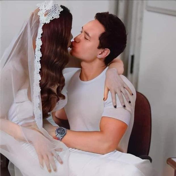 Lộ hậu trường ảnh cưới của Hà Hồ - Kim Lý: Cô dâu trao cho chồng nụ hôn nồng thắm, nhìn đã thấy hạnh phúc lây! - Ảnh 2.