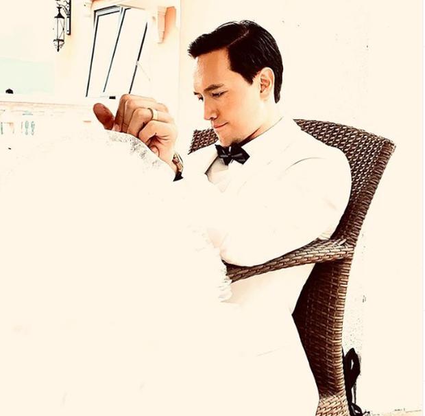 Lộ hậu trường ảnh cưới của Hà Hồ - Kim Lý: Cô dâu trao cho chồng nụ hôn nồng thắm, nhìn đã thấy hạnh phúc lây! - Ảnh 5.