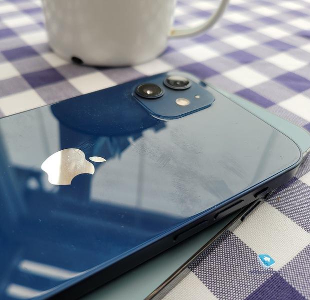 10 lý do không nên mua iPhone 12 - Ảnh 7.