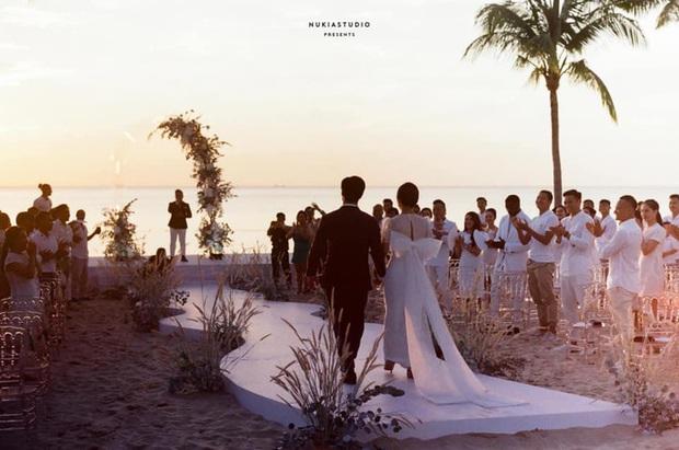 Họ nhà trai đồng loạt xả hình đám cưới Công Phượng: Hải Quế dặn dò vợ luôn đúng nha em - Ảnh 11.