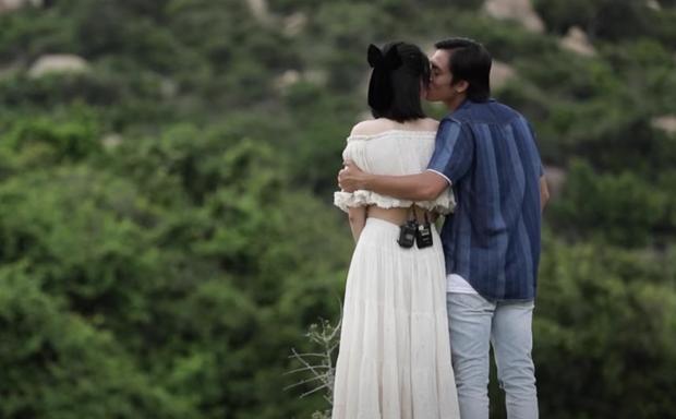Nam thần điện ảnh Lãnh Thanh bất ngờ hôn Nam Em trên show hẹn hò - Ảnh 5.