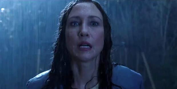 5 pha nhập vai thần hồn điên đảo ở phim kinh dị: Bà đồng The Conjuring chưa là gì so với nữ hoàng ghê rợn hành con gái ra bã! - Ảnh 8.